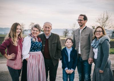 Gruppenbild von Familie Mayer